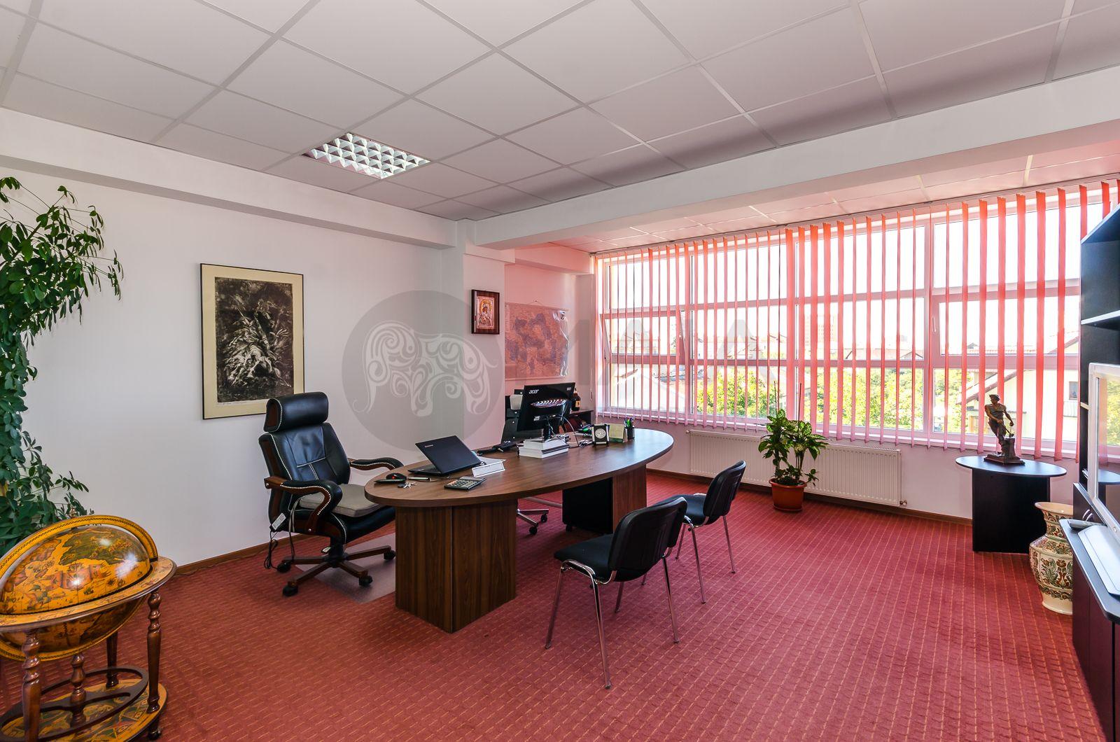Spatiu birouri , 3 camere, 2 bai, 127mp, constructie 2009, zona centrala
