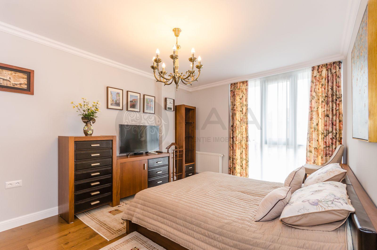 Apartament 3 camere, 3 bai, 100mp, garaj, bloc nou, 2 min de Sub Arini