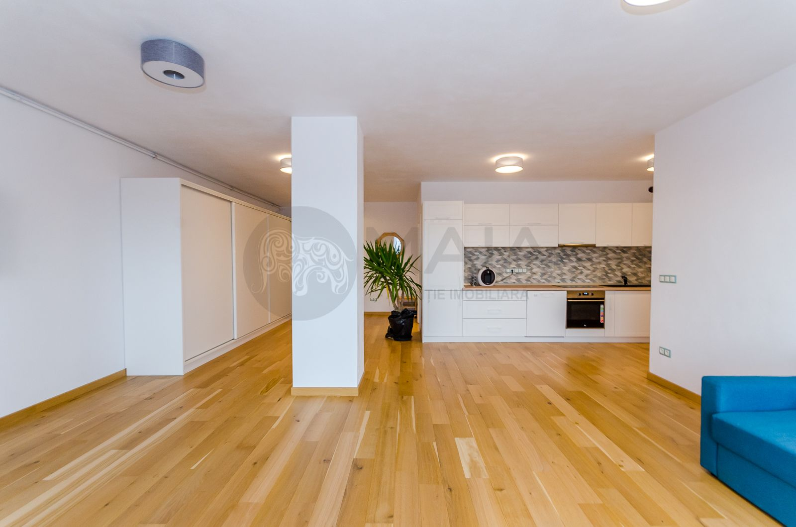 Apartament 3 camere de lux, cu parcare subterana, zona Trei Stejari